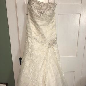 David's Bridal Wedding Gown fit flare 14 NWT